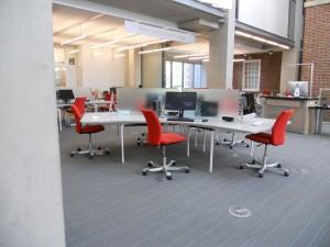 ROMA: Red, office, medium, adjustable